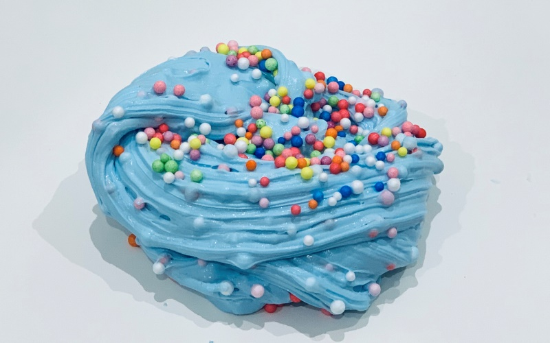 С разноцветными шариками